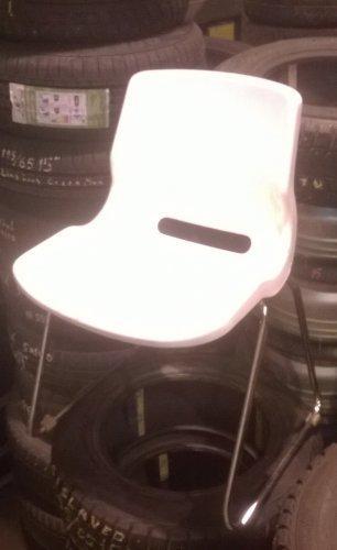 myydään 4 tuolia